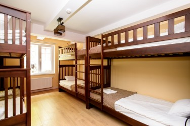 Mixed 6-bed dorm