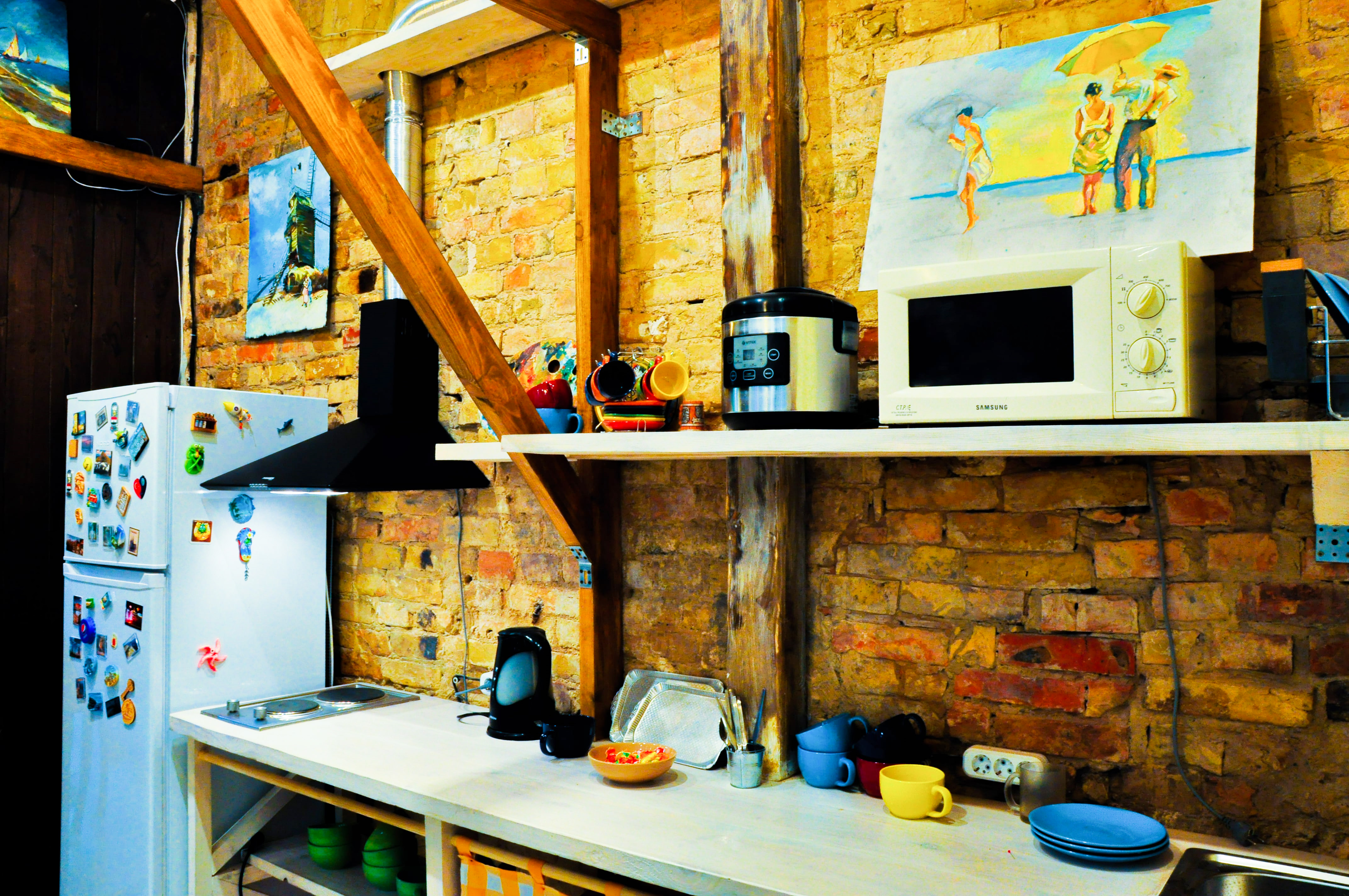 Кухня, облаштована усім необхідним